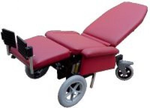 Fotel rehabilitacyjny TRAPER  F 301 do długotrwałego przebywania w pozycji siedzącej